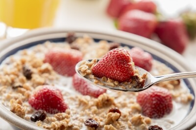 What do you do in the morning? Eat breakfast? Go for a run? Have a lie in? New report from World Economic Forum says successful people make the most of their mornings